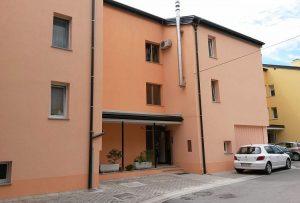 obnova fasade na večstanovanjskem bloku